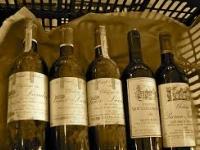 Smagning af modne store Bordeaux vine inklusiv 1. cru